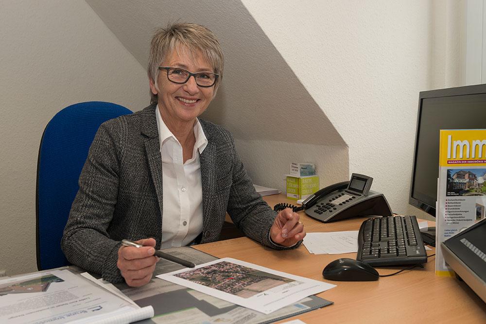Brune Immobilien - Elke Nieland (Außendienst)